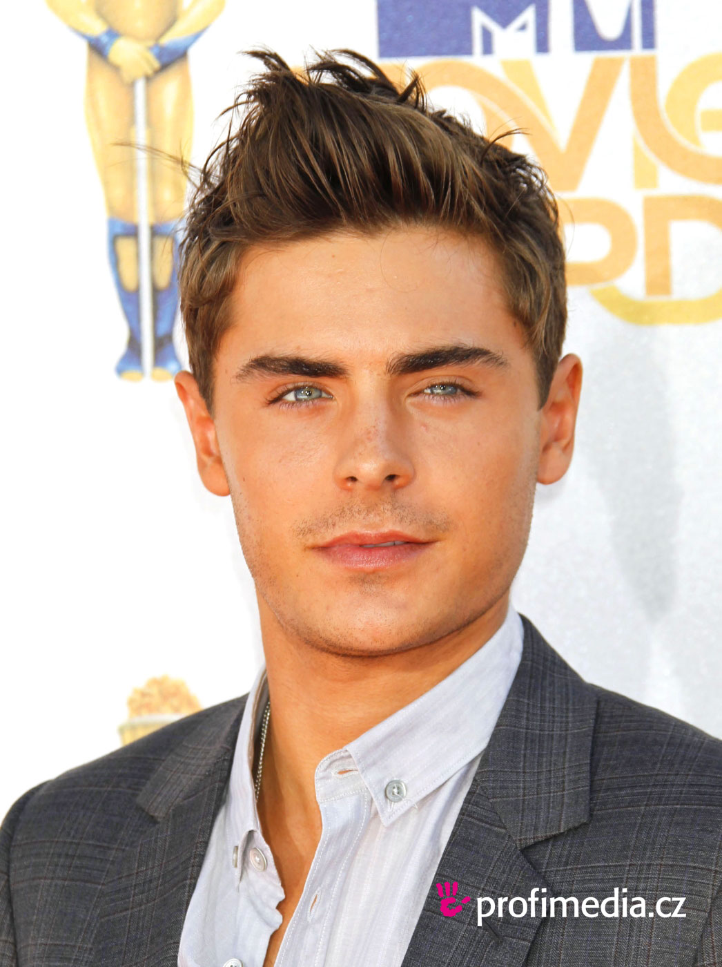 Funny Collection Very Cool Zac Efron Hairstyles