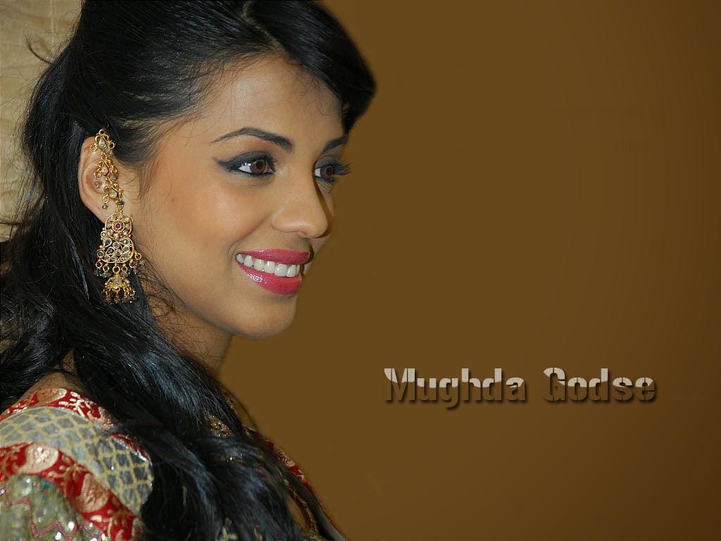 Mugdha Godse HD Wallpapers Free Download