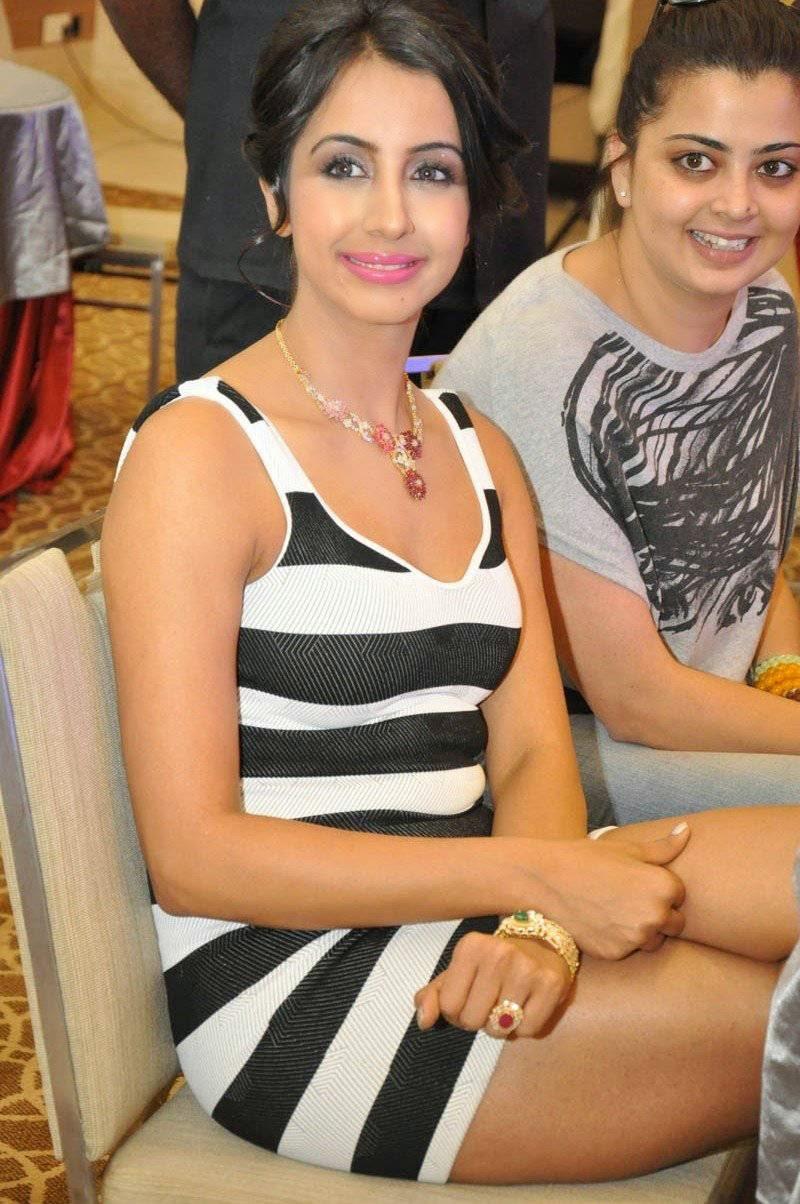 Sanjjanaa Stills At Memu Saitham Stars Cricket Curtain Raiser Press Meet