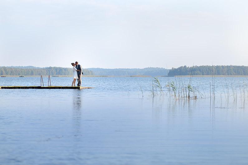 vestuvių fotosesija prie ežero Ignalinos rajone