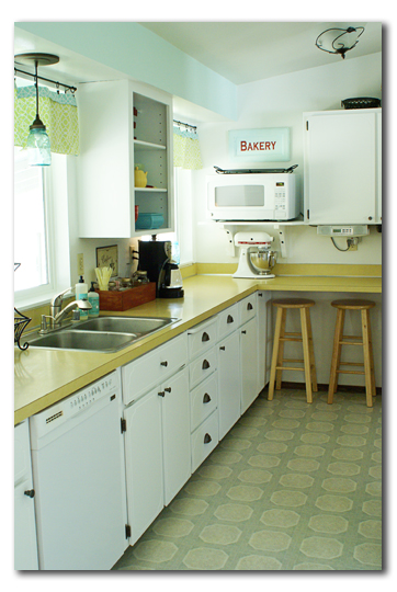 70's kitchen after