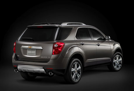 Rear 3/4 view of 2011 Chevrolet Equinox