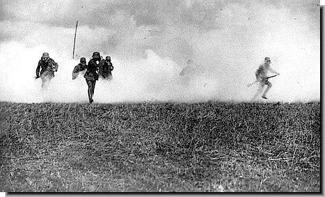 Chlorine Gas Ww1. READ MORE ON POISON GAS IN WW1