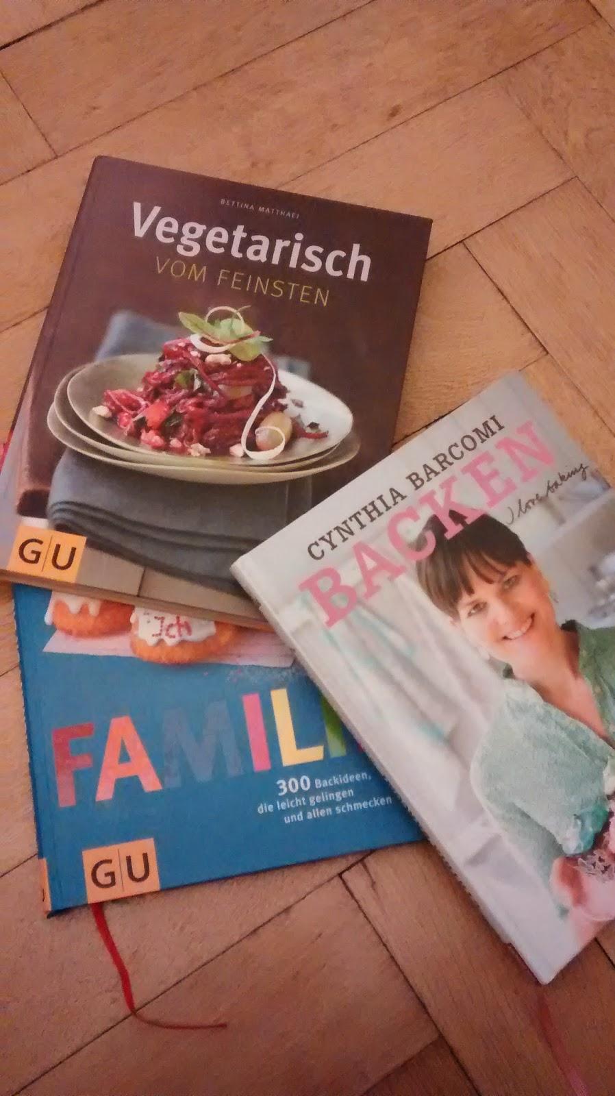 Runzelfuesschen Kind liebt Kochbücher