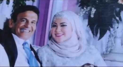 Foto Mark Sungkar dengan Santi Asoka Mala Menikah