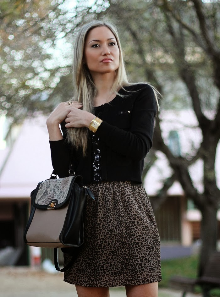 look do dia, look of the day, outfit, leopardo, zebra, píton, cardigan, trendy, animal print, black, padrão animal, padrões, lantejoulas, paetês, camel, high boots, snake skin, píton, patterns, trends fall winter, tendências outono inverno 2013 2014, moda, fashion, blonde girls, blog de moda, portugal, style statement, estilo pessoal, streetstyle, personal stylist
