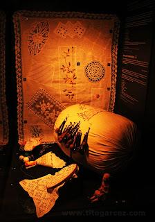 Objetos de costura expostos no espaço Nossas Histórias, no Museu da Gente Sergipana, em Aracaju - Sergipe