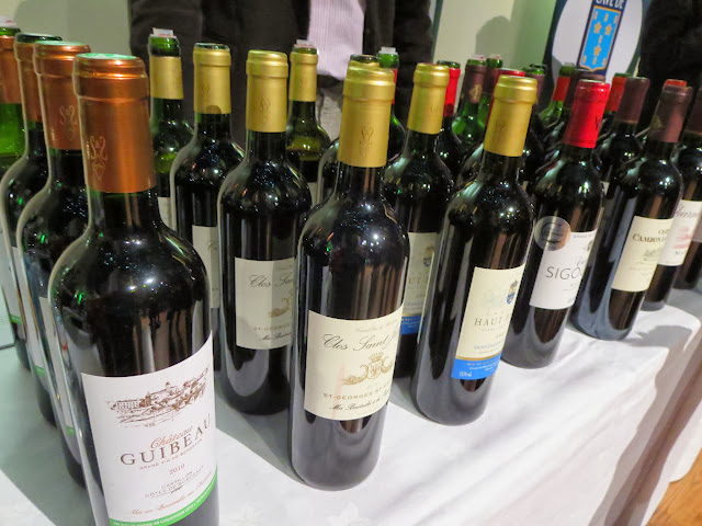 O'Briens Wine Fair display (Dublin)