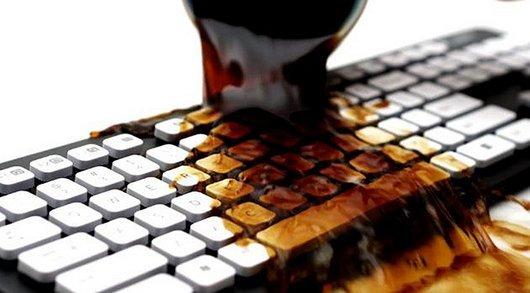 limpar meu teclado, derruebei agua no teclado, limpeza do teclado, como limpar teclado, teclado a prova d'agua, invenções malucas, eu adoro morar na internet