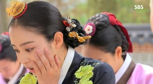 Jang Ok Jung (Kim Tae Hee) bị tình địch bạt tai 1