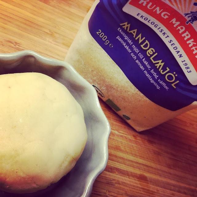hur gör man mandelmjöl