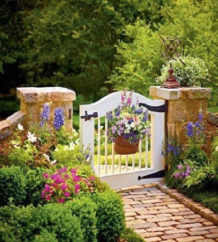 Puertas que se abren al maravilloso jard n plantas - Puertas de madera para jardin ...