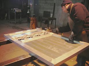 Trabajando con una puerta de aluminio soldado