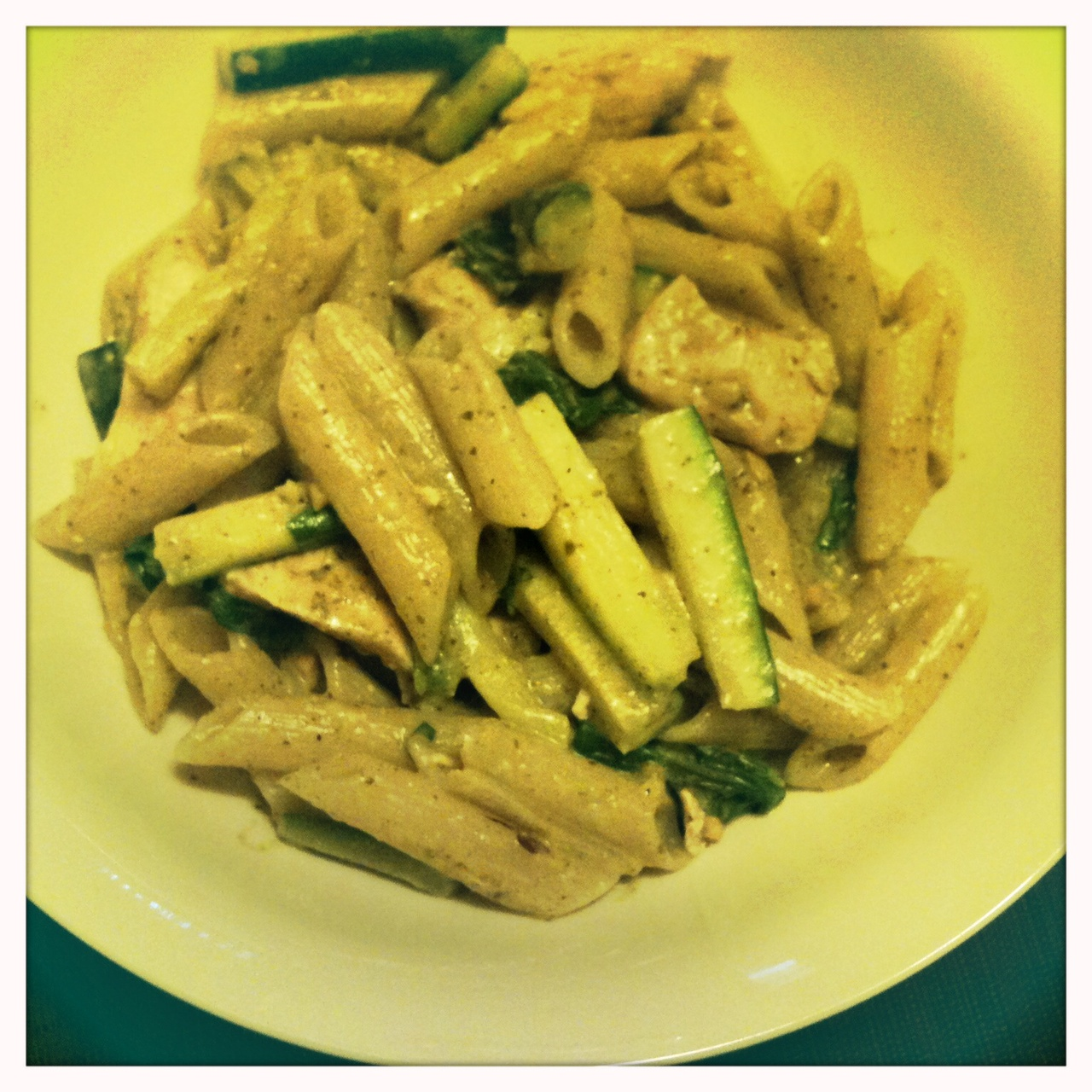 Blithe Moments: Chicken Pesto Pasta