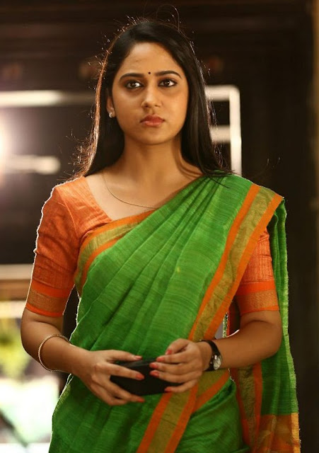 Mia George Actress Photos In Oru Naal Koothu