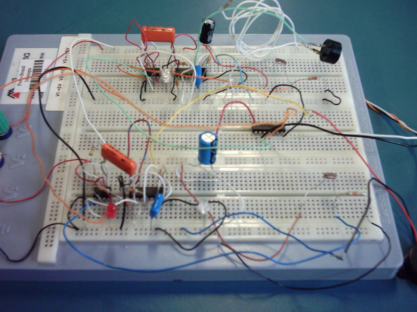 Circuito X : Yizeth circuitos electricos y electronicos protoboard