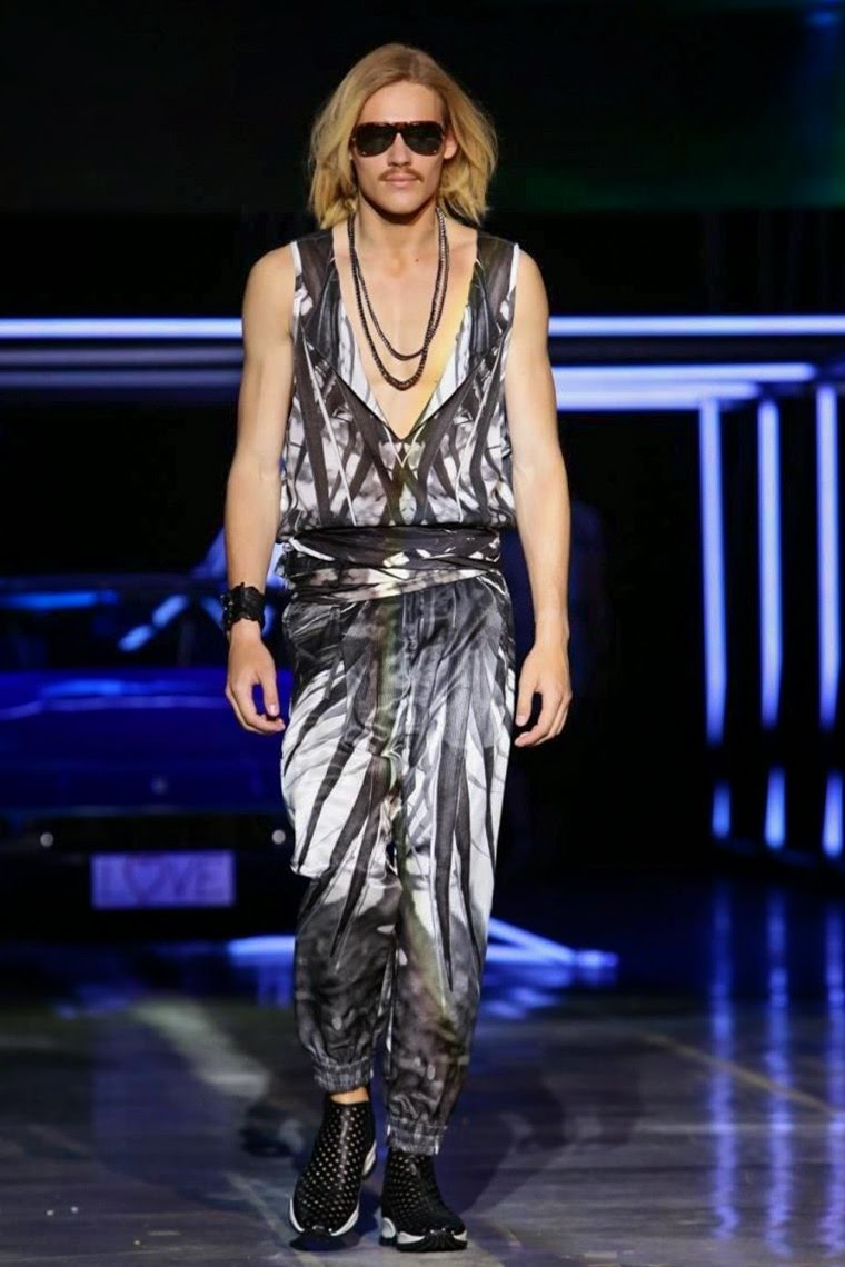 Roberto-Cavalli, Roberto-Cavalli-Spring-summer, Roberto-Cavalli-spring-summer-2015, Roberto-Cavalli-menswear, Roberto-Cavalli-printemps-été, Roberto-Cavalli-printemps-été-2015, du-dessin-aux-podiums, dudessinauxpodiums, mode-homme, evening-dresses, costume-homme, cocktail-dresses, abiti-eleganti, abbigliamento-online, outlet-online, vestiti-eleganti, mode-femme, roberto-cavalli-perfume, plus-size-fashion, abiti-da-cerimonia-uomo, fashion-dresses, mode-en-ligne
