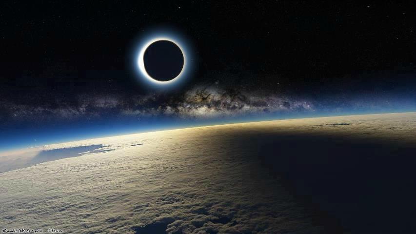 http://2.bp.blogspot.com/-8hZUUSoqoYM/T7-q2-xbB0I/AAAAAAAAAM0/yESXUMOLOpo/s1600/fake-eclipse.jpg