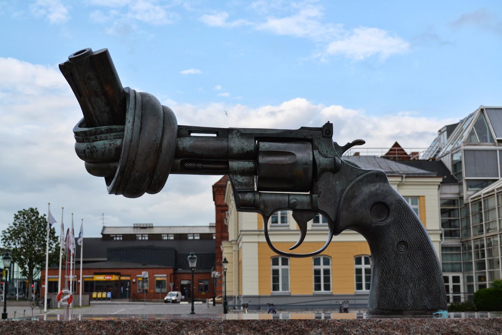 Non-Violence  bronze sculpture of Gun by Swedish artist Carl Fredrik Reuterswärd