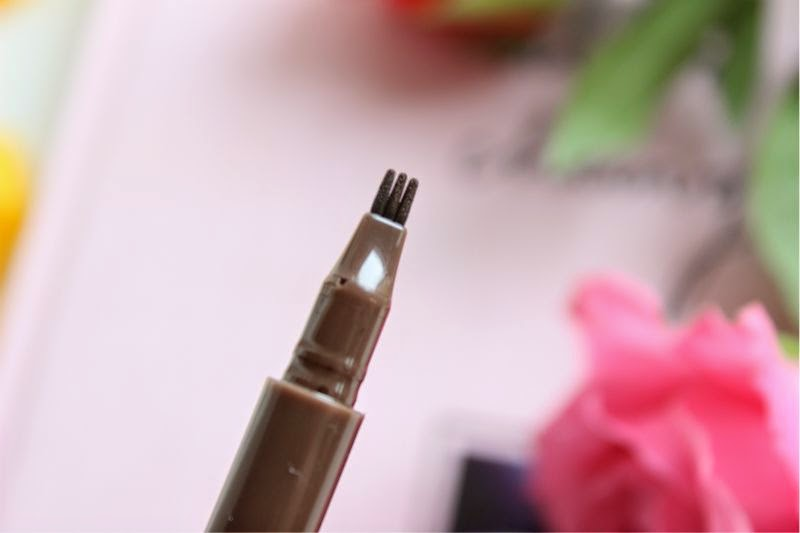 Clarins 3 Dot Liner in Brown