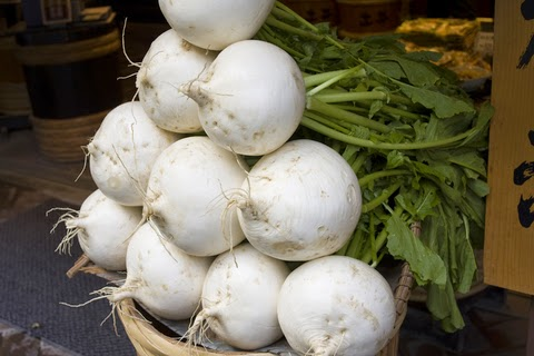 In Season! Turnips (with Small Footprint Family)