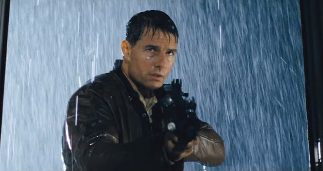 Tom Cruise as Jack Reacher in the rain