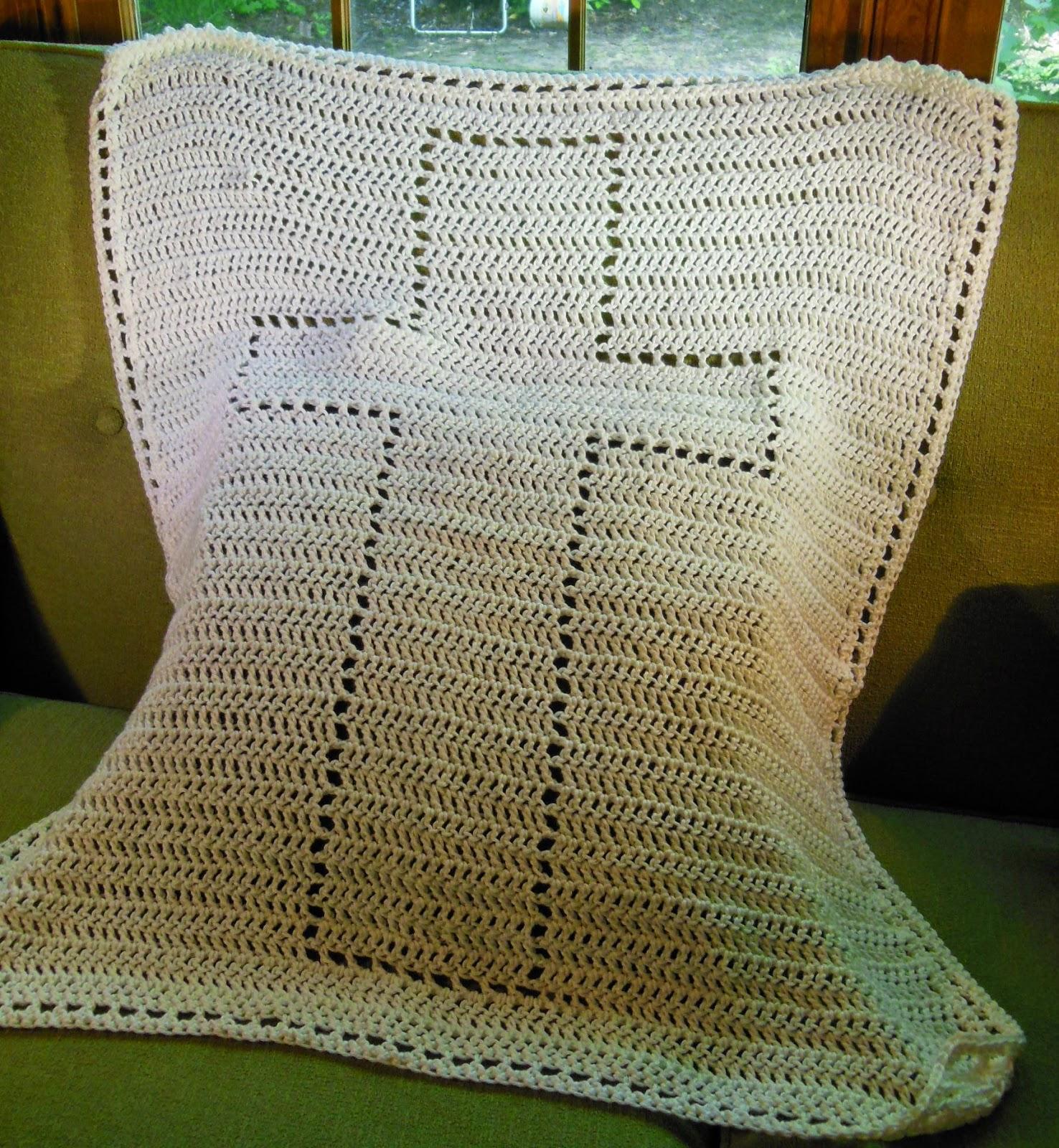 Crochet Pattern For Christening Blanket : Hamburke: Baptism Blanket - free crochet pattern