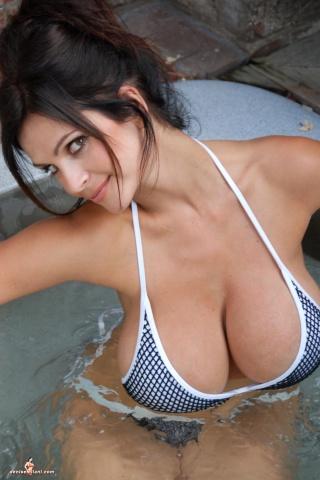 Denise Milani Hot in Bath Tub