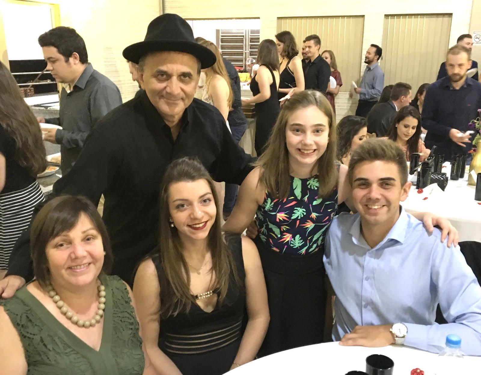 Airton Engster dos Santos e família