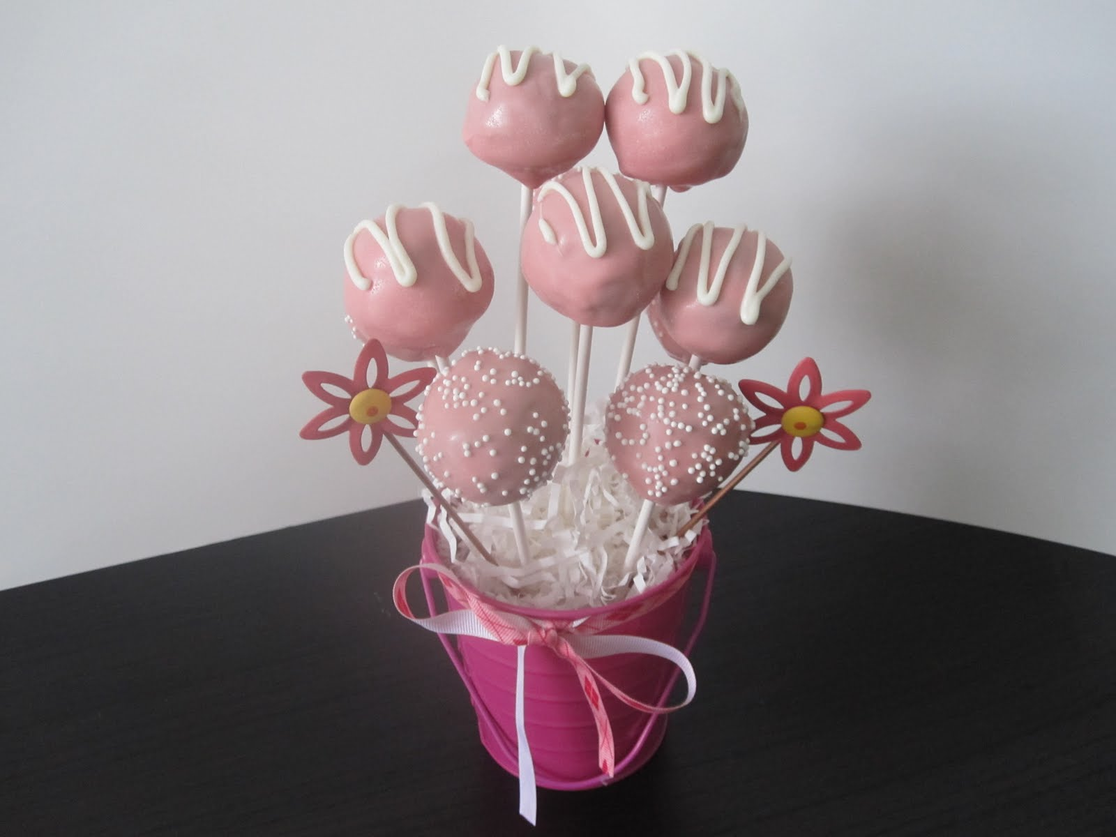Cake Pop Ideas For Baby Shower : Baby Shower Cakes: Baby Shower Cake Pops Girl