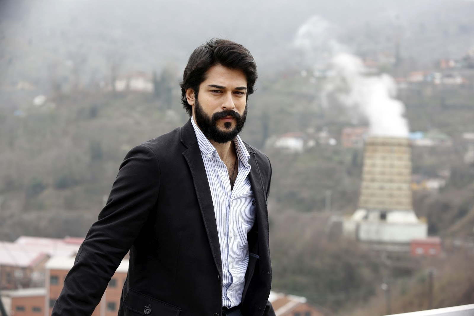 burak özçivit height weight