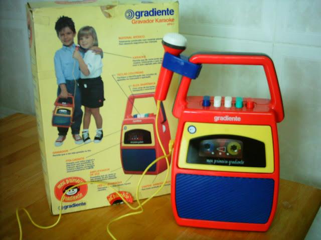 Propaganda do Meu Primeiro Gradiente: sucesso entre as crianças nos anos 80. Gravador portátil.