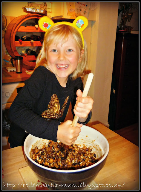 Make a Wish - stirring the Christmas pud
