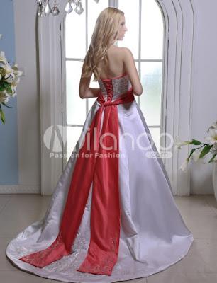 Elegant A-ligne sweetheart bretelles perlée Ceinture Robe de Mariage de Broderie Satin
