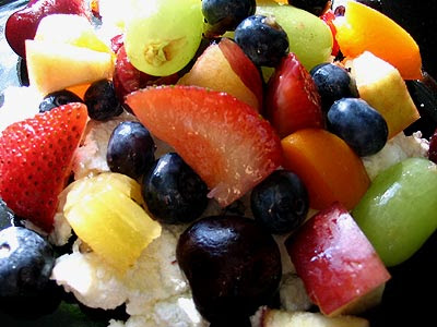 Lazy Summer Cottage Cheese & Fruit Salad