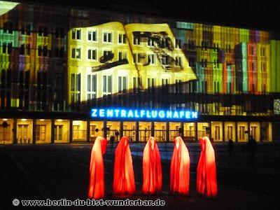 fetival of lights, berlin, illumination, 2012, Zentralflughafen Tempelhof und die Wächter der Zeit
