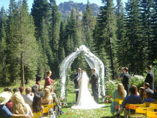 Contoh Gambar Foto Pernikahan