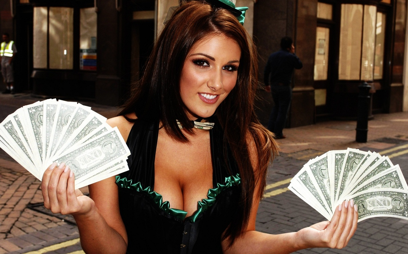 Lucy Pinder Wallpapers Wallpapers In High Definition Hd For