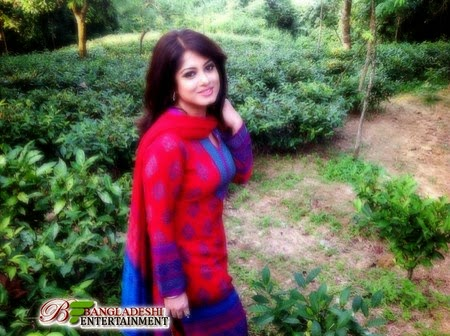Bangladeshi Film actress Mousumi