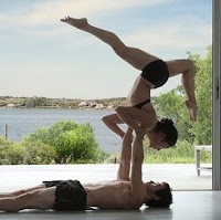 Acro Yoga Foto