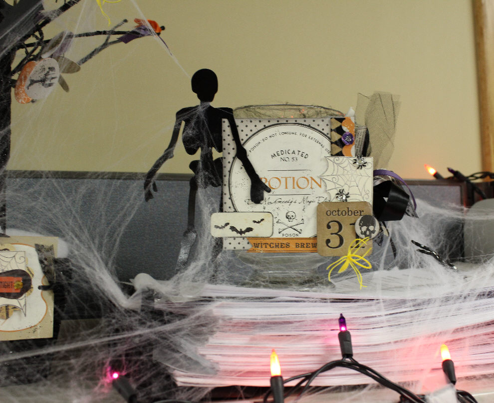 Gallery For > Halloween Desk Decorations ~ 111615_Halloween Decorating Ideas At Work