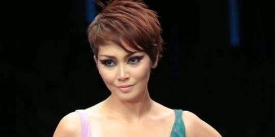 Model Rambut Fenita Arie