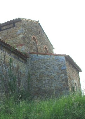 Oviedo, iglesia de Santa María de Bendones, fachada norte