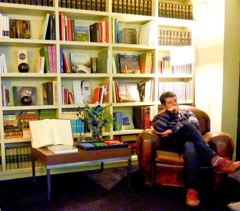 Roberto durante la presentación de Joseba Cortazar