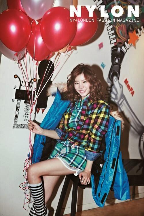 SNSD´den Sunny, 'Nylon' İçin Neşeli Pozlar Verdi! /// 18 Kasım 2013