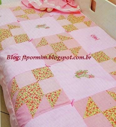 Como fazer uma colcha rosa de patchwork
