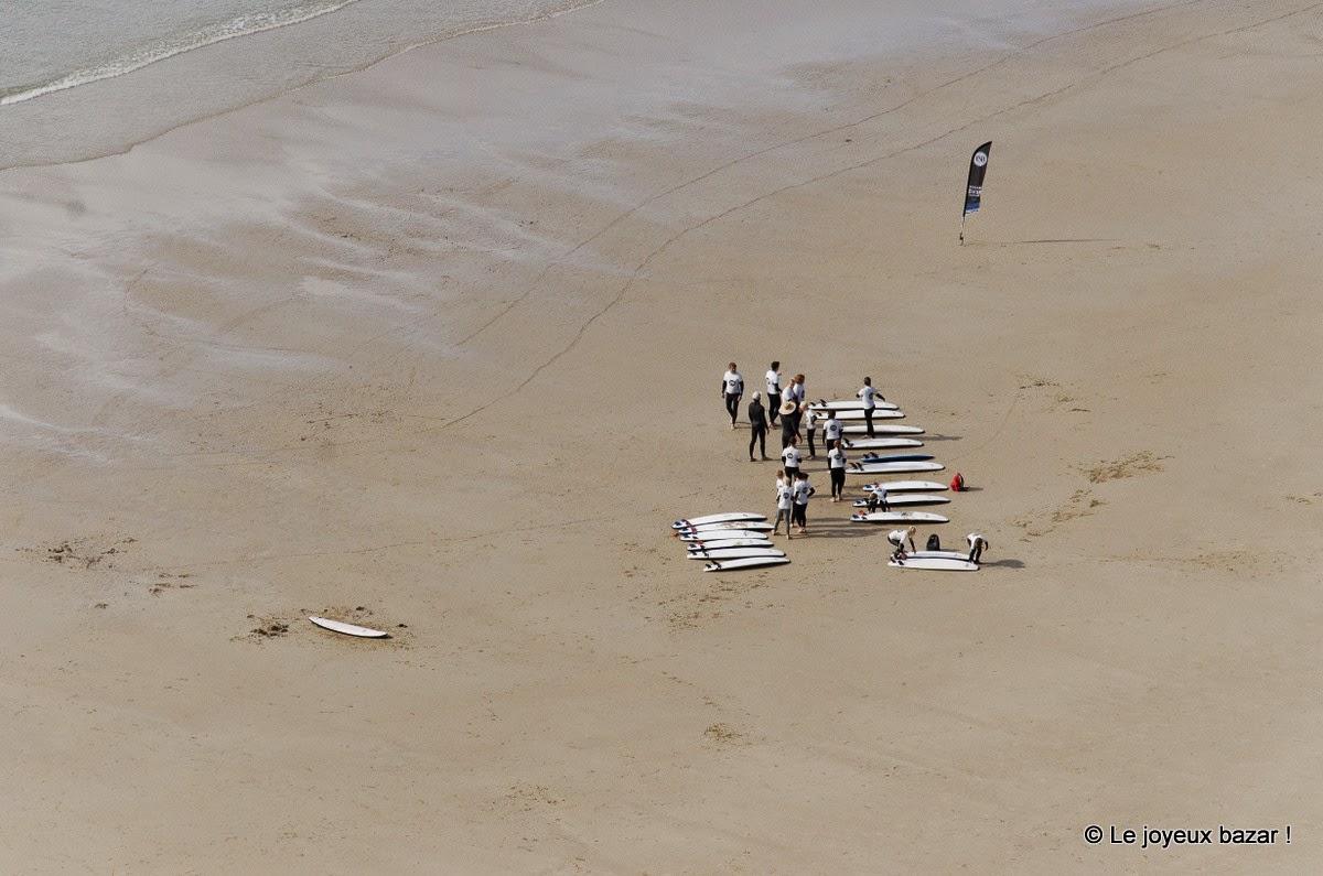Bretagne - surfeurs