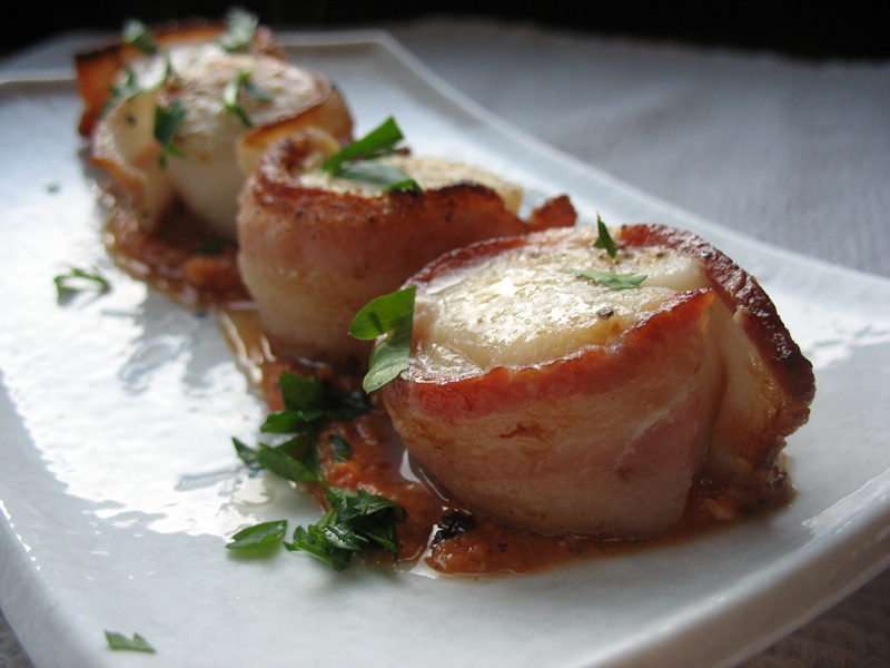 The Hungry Dog: Drewes' bacon-wrapped scallops with romesco sauce