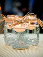 Украса Свети Валентин - буркани с плаващи свещи