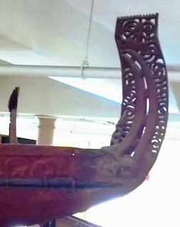 Moari canoe model stern decoration